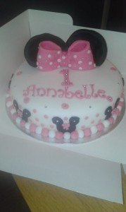 Mini Mouse 10 inch cake quote cake104